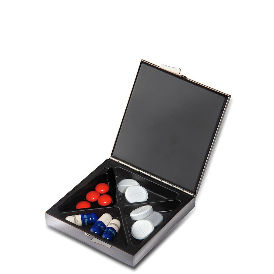 PO: Pudełko na lekarstwa matowe srebrne